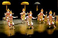 Indonesian culture warms up autumn in Paris